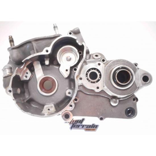 Carter moteur gauche 300 EC 00