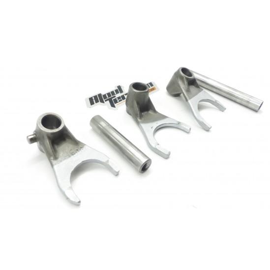 Fourchettes 125 rm 2002 / fork shift